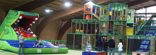 Großer Funpark und Snappy, das Krokodil